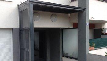 aluglass-menuiserie-acier-aluminium-metallerie-serrurerie-vitrerie-auvent-350x200