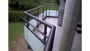 aluglass-ameliorer-renover-reparer-menuiserie-acier-aluminium-metallerie-serrurerie-vitrerie-garde-corps-2-350x200