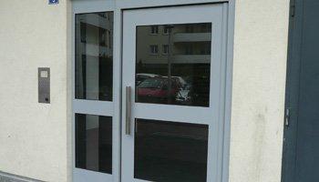 aluglass-ameliorer-renover-reparer-menuiserie-acier-aluminium-metallerie-serrurerie-vitrerie-porte-350x200