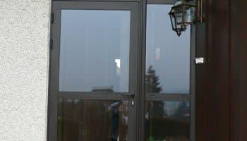 aluglass-menuiserie-acier-aluminium-metallerie-serrurerie-vitrerie-porte-entree-350x200-2
