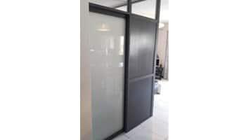aluglass-vitrerie-metallerie-serrurerie-menuiserie-acier-aluminium-cloison-vitree-4-350x200
