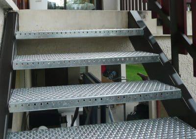 aluglass-ameliorer-renover-reparer-menuiserie-acier-aluminium-metallerie-serrurerie-vitrerie-escalier-2-1400x800